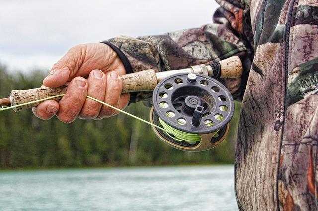 La pesca deportiva introduce especies foráneas.