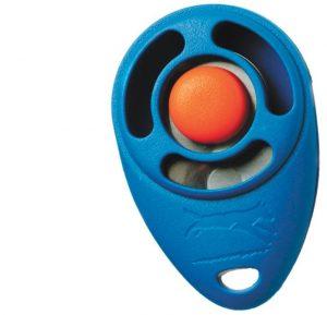 """Un Clicker es un pulsador mecánico que hace un ruido de tipo """"click"""". Al presionar el botón, una lámina metálica hace el sonido."""